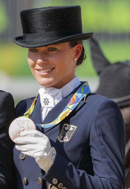 Olympiasiegerin und Derbysieger kommen – Reitturniere auf Gestüt Bonhomme