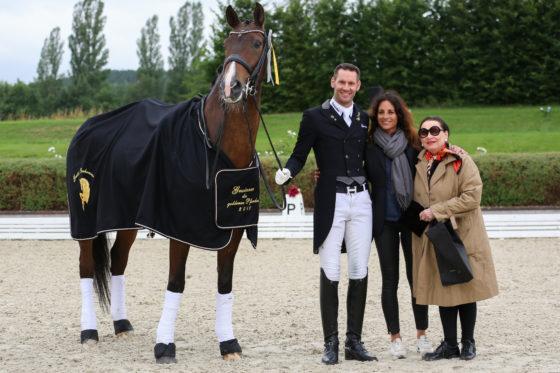 Der Ritt um das Goldene Pferd: Para-Meister und Olympiakader auf Gestüt Bonhomme